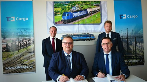 Contract signing with CD Cargo and Bombardier Transportation: (front l-r) Ivan Bednárik, CD Cargo and Michael Fohrer, Bombardier Transportation
